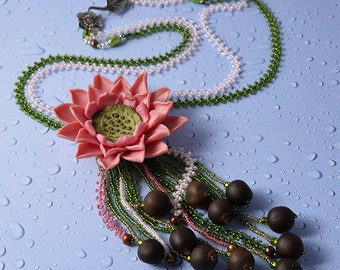 Lotus seeds necklace