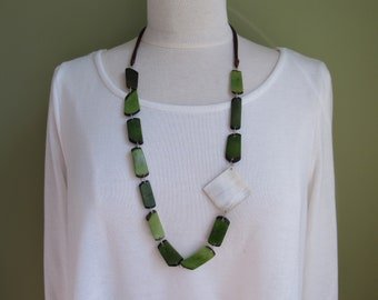 Mother's Day Gift, Green Tagua Necklace, Ecofriendly Necklace, Tagua Nut Necklace, Green Boho Necklace, Handmade Necklace, Ethnic Jewelry