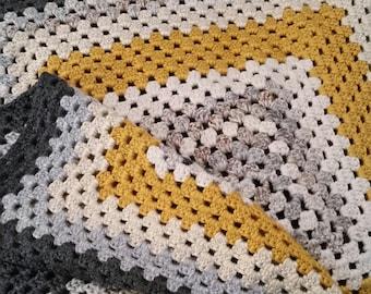 Chunky Granny Square Blanket
