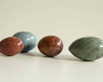 Vintage Onyx Eggs - Set of Four