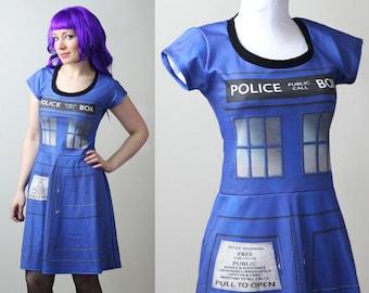 Zone de police de DOCTOR WHO Tardis robe avec manches - personnalisés - smarmyclothes cosplay costume