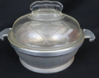 "Vintage Guardian Service Round 1 Quart Casserole with Glass Lid -  6 3/4"" x 2 1/2"" Covered Hammered Aluminum Pot Pan"