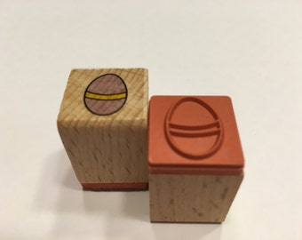 small / tiny Easter Egg stamp , 15 mm (BB4)