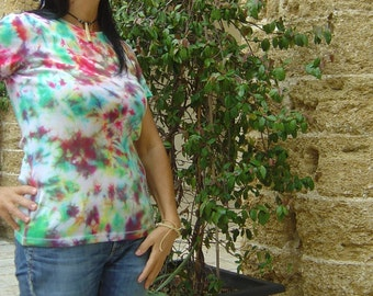 Tie Dye t-shirt 100% cotton-rainbow, shibori, solid with dye Procion MX, Hippie style. Size S-OOAK Gift ideas. Made in Italy