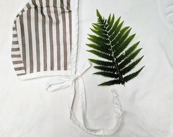 Gray/White Striped and White Reversible