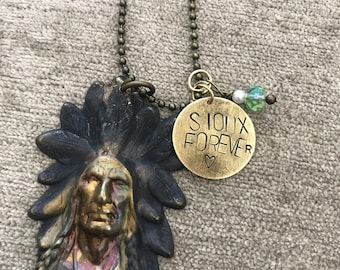Vintage Sioux Head with Sioux Forever stamped round metal charm