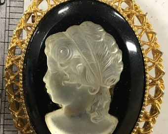 Used- Cameo brooch pin - gold tone