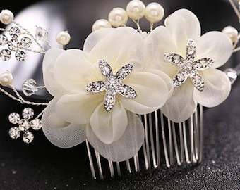 Ivory, silver and crystal bridal hairpiece. Elegant pearl wedding hair comb. White pearl clear bridal hair clip