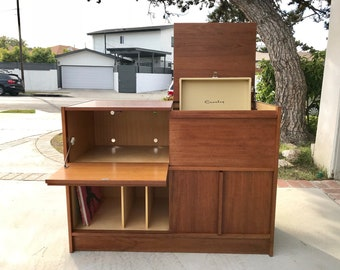 MID CENTURY MODERN Media Stand/Bar/Record Player Cabinet (Los Angeles)