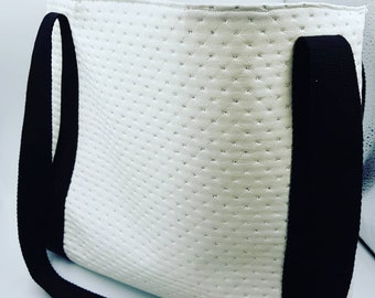White shoulder bag for beach or to tidy up baby