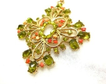 Gold tone Filigree with Peridot Pendant Beautiful DOBBS Pendant Vintage poured glass in Peridot green and peach/orange chips