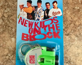 New Kids on the Block Vintage 1990 Photo Viewer Keychain NEW in Package Knight McIntyre Wood Wahlberg Rare!