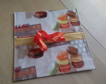 great pie or cake in waxed canvas bag