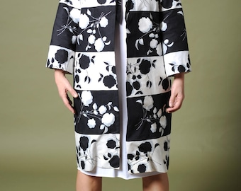 Vintage 60s trench Black and white coat Floral print cloak Summer coat Women trench coat Lined trench Summer wrap Open fit coat Cardigan top