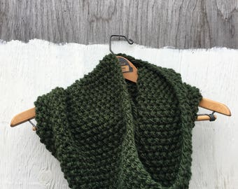 LUCY Cowl in Forest   Cozy   Chunky Knit Scarf