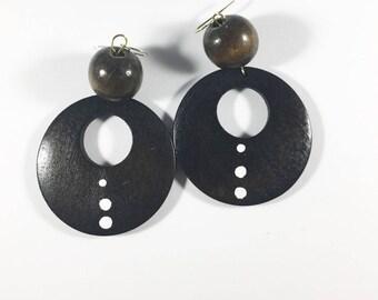 tribal dangle earrings. Wood earrings. Natural earrings. African earrings. Fashion hewelrt. Ethnic earrings. Gift ideas. Everyday wear.