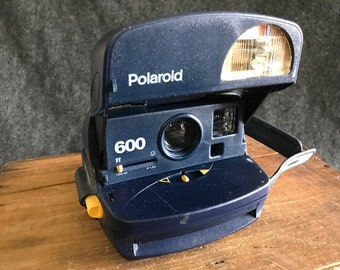 Vintage Polaroid 600 camera