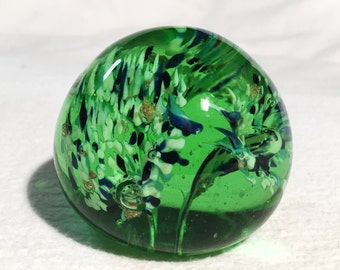 """Green  Glass Paperweight w/ Confetti in Flower Shapes - [Size- 2 1/2"""" x 2"""", Color- Green White Blue Pink Vintage]"""