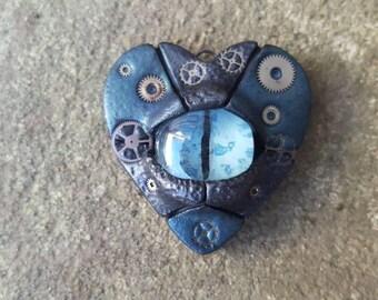 Mechanical All-seeing eye pendant