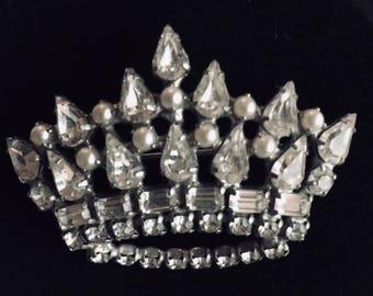 Sparkling Clear B David Crown Pin