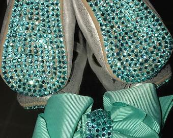 Custom Crib Shoes & Bow