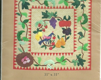 "Wall Hanging Quilt Pattern, Folk Art Wreath, 31.5"" x 31.5"" by The Quilted Apple"