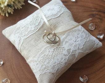 Linen Ring Cushion~Wedding Ring Pillow~Ivory Lace Ring Band Pillow~Ring Bearer Cushion~Rustic Wedding Decor~Wedding Photo Prop
