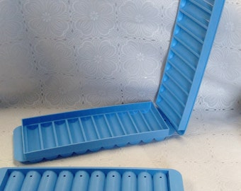 Set Of 2 Cylinder Shaped Ice Trays/Molds Plastic Great For Bottles/Novelty/Crafting Items/Pre-Owned Q