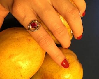 Womens  925 Sterling Silver Ring with dark Pink Corundum, Rhodium