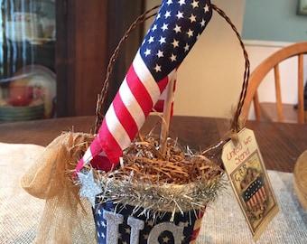 Patriotic 4th of July peat pot accent