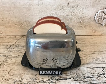 Vintage Kitschy Toaster Oven Salt and Pepper Shakers - Kenmore Toaster Salt and Pepper