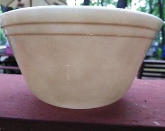 Federal Glass 1 1/2 qt mixing bowl