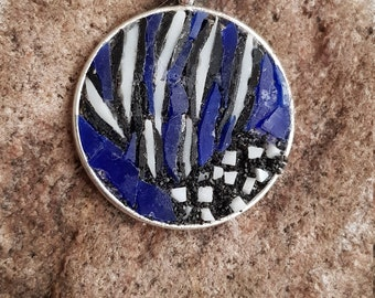 Mosaic pendant Circle Inspired by the Vulture pearl Fowl