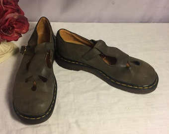 1980's Dr Martens Mary Jane shoes Size 7- Preowned