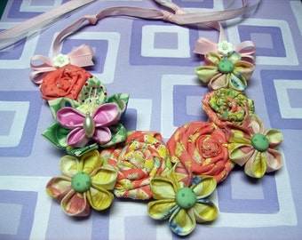Huge Sale ... Fabric Flower Bib Necklace Tutorial 1 ... Includes All 3 Fabric Flowers