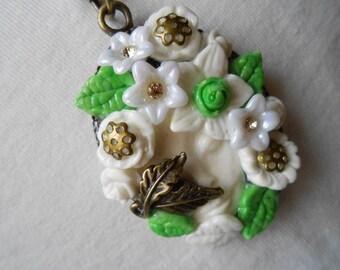 1 bronze FACE future necklace white FLOWER.