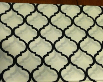 Quatrefoil fabric black on white