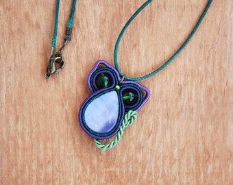Purple Cat Pendant Necklace, Miniature animal totem, Soutache charm, Soutache green eye cat, Violet nacre, Fiber jewelry, Gift for her