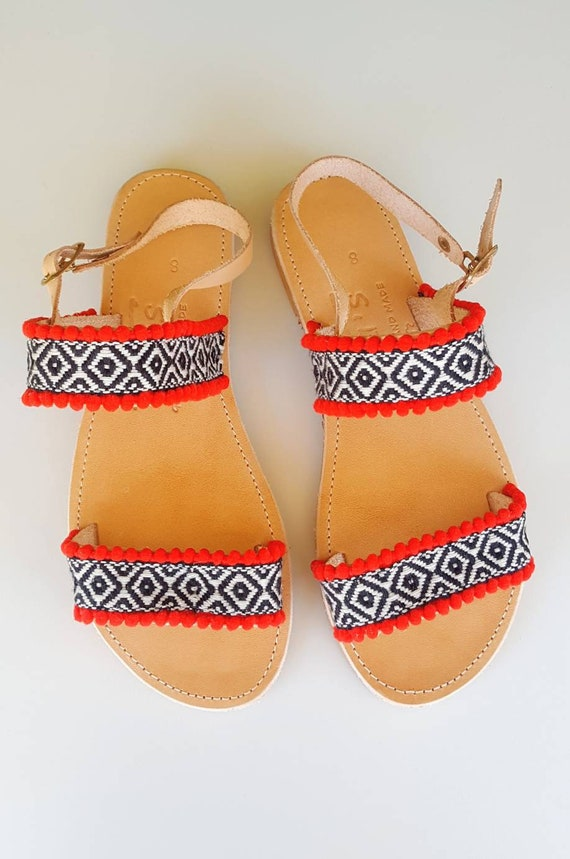 Chic Sandals Leather Strappy Chic Pom Sandals pom Ethnic Boho Black Sandals Sandals Sandals Greek Sandals Sandals Handmade Hippie qgtwHZ