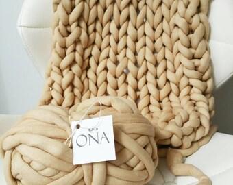 Jumbo Cotton Tube yarn Vegan Wool Beige