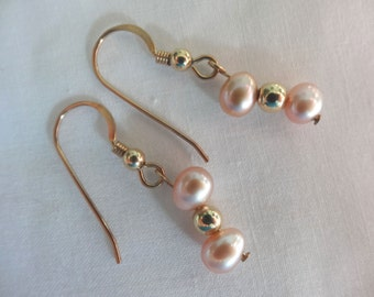 One Pair Hand Crafted Earrings Gold Filled French Earwires Freshwater Pearls Peach Top Drilled E31