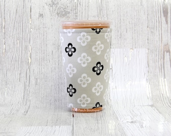 Black and White Clover Cup Cozy, Iced Coffee Cozy, Cup Sleeve, Clover Coffee Cozy, Coffee Cuff, Insulated Cup Sleeve