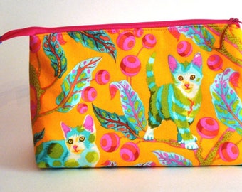 BRIGHT, colorful and LIVELY KITTENS 100% cotton fabric Cosmetic Bag, gift bag with full width opening and nylon zipper closure