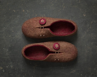Women slippers - Copper wool anniversary gift for her - Comfort home shoes in natural brown burgundy red - Luxury Christmas gift for wife