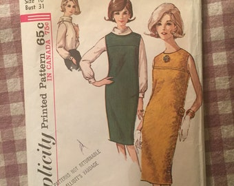 "Vintage 1960s Simplicity 5537 Size 10 Bust 31"" - NC - Vintage Simplicity / 60s Simplicity / 60s / Jumper and Blouse / Bias Roll Collar"