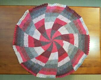 Red Pinwheel Round Lap Blanket / Baby Blanket
