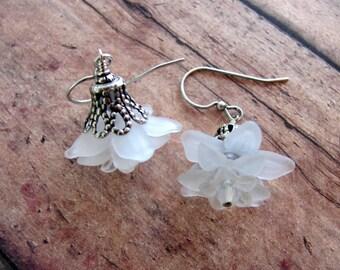 White Flower Earrings, Swarovski Earrings, Flower Earrings, White Earrings, Dangle Earrings, Lucite Flower Earrings, Edwardian Earrings