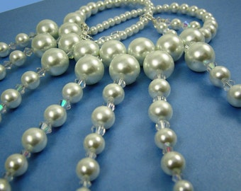 Dancing Pearls Modern Necklace
