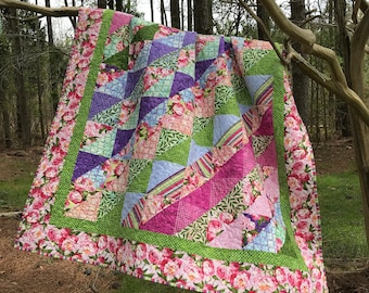 Peony Quilt, Floral Quilt, Throws, Blankets, Floral Bedding, Peonies, Botanical Bedding, Cotton Quilts, Pink Quilts, Geometric, Purple Quilt