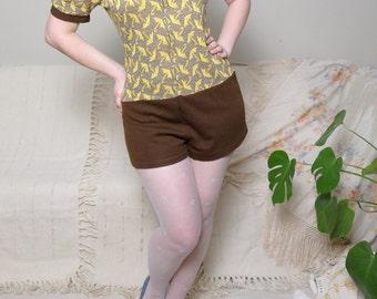 60s Playsuit 70s Jumpsuit Sears Roebuck Vintage Hot Pants Umbrella Knit Romper Mod GoGo Pin Up Jumpsuit medium large size / V1